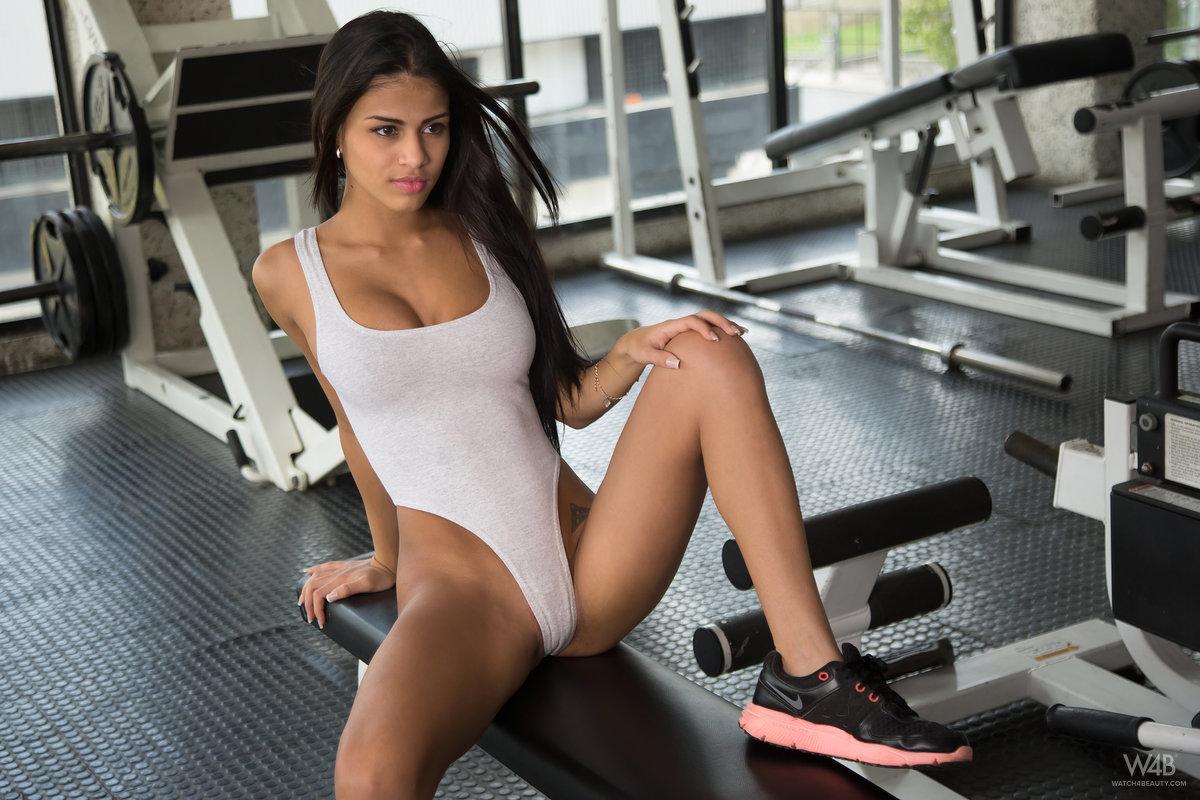 Hot sexy yoga clothes ladies yoga pantscapris ladies gym clothes