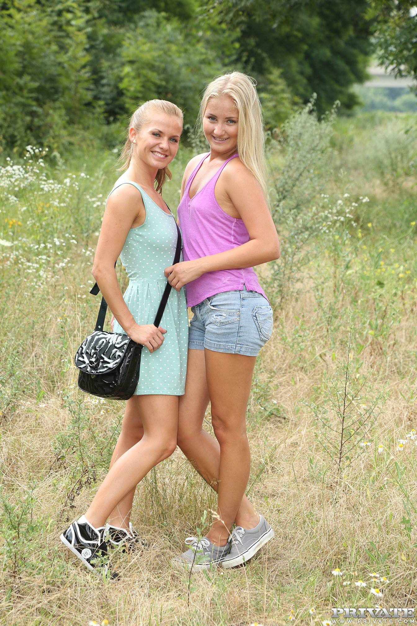 Fucking In The Woods With Lesbians Bella Baby  Cayla -4657
