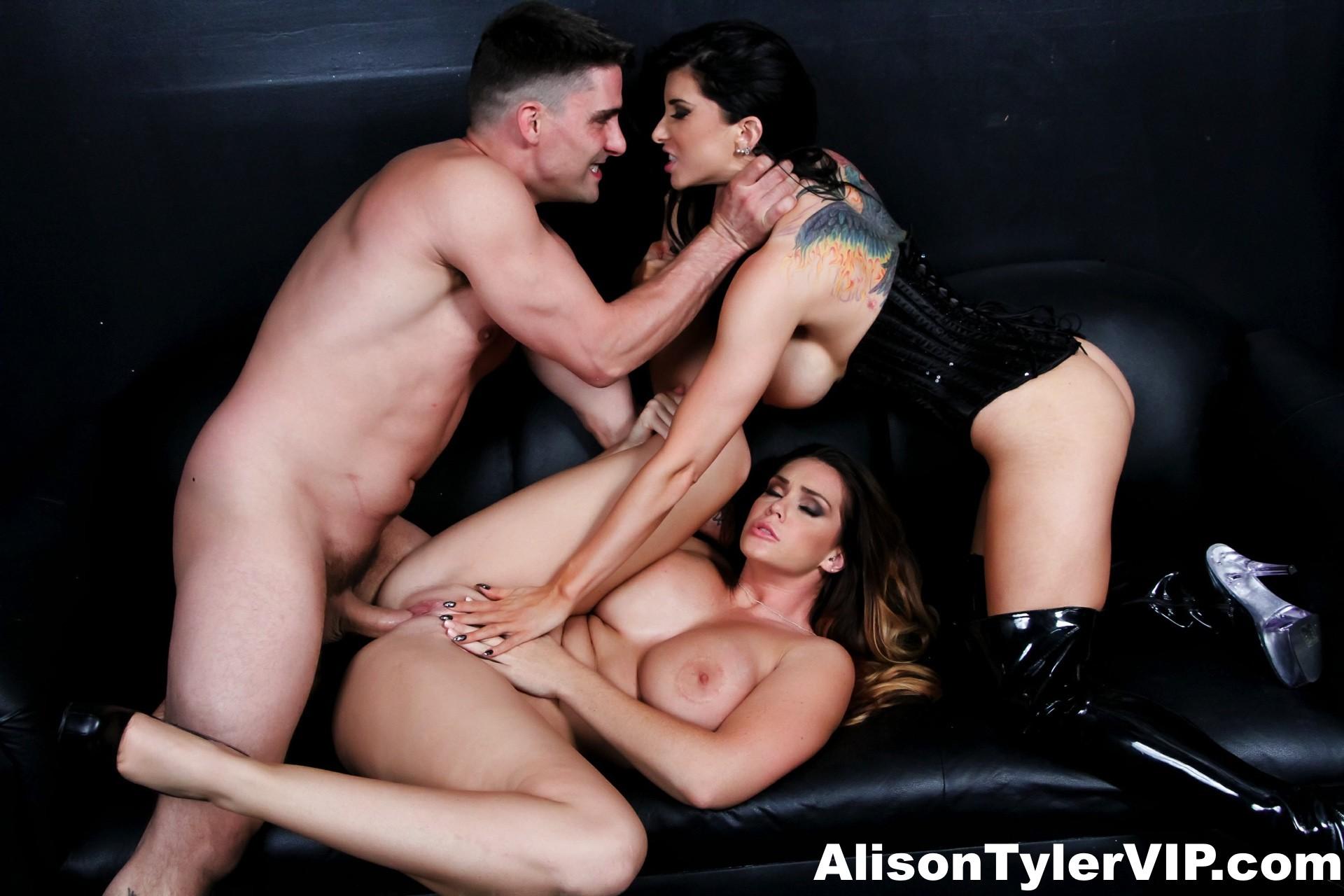 Alison tyler eats romi rain039s wet pussy 3