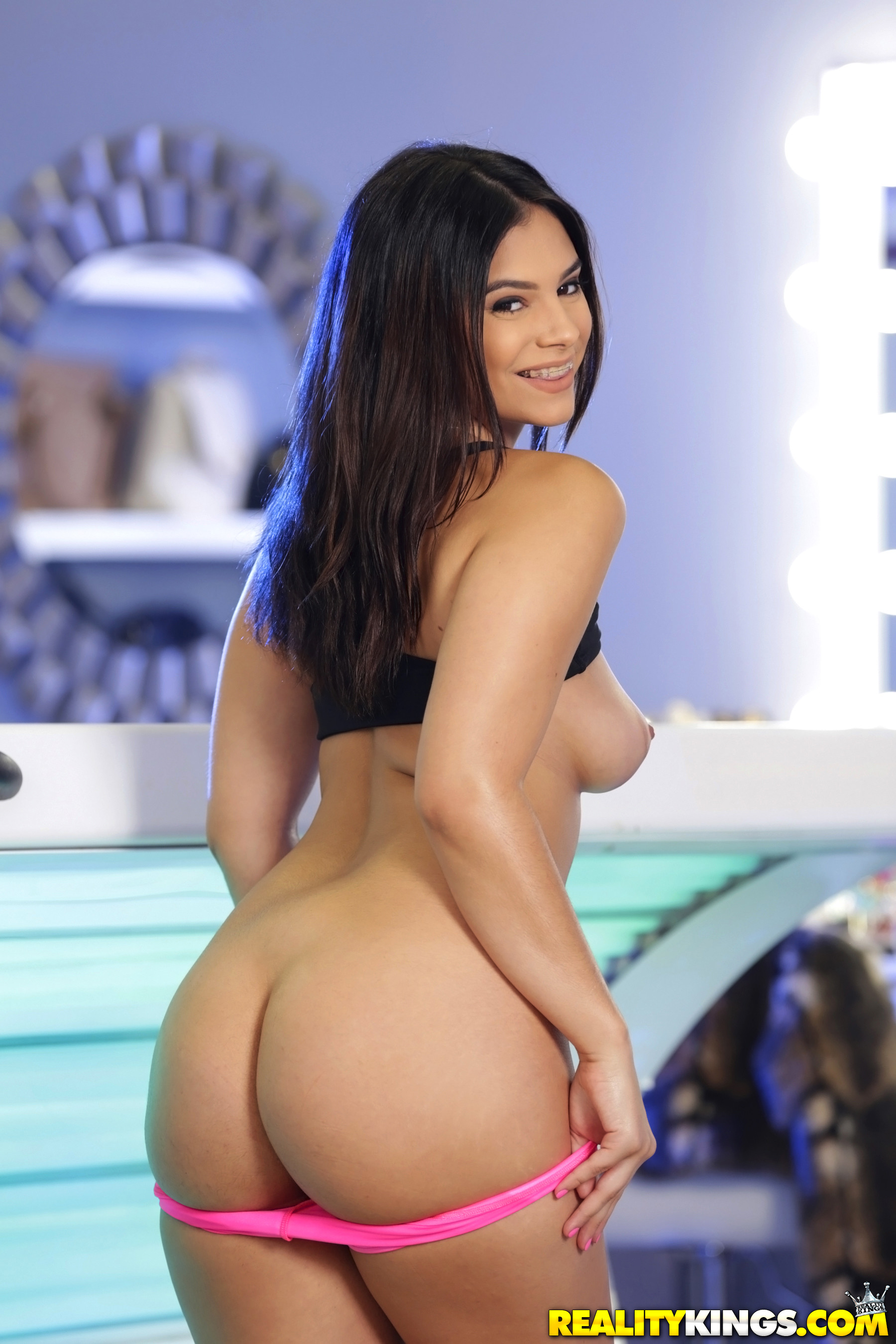 Violet starr tan that ass
