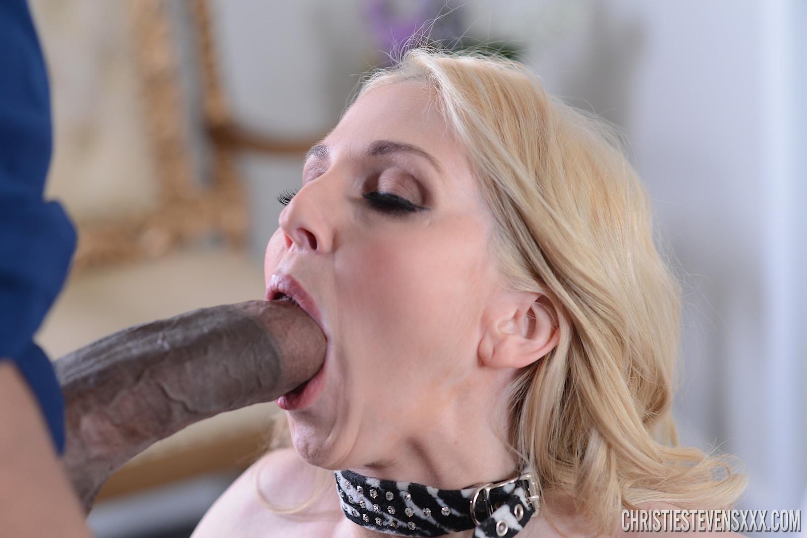 Milf Blowjob Porn Pics
