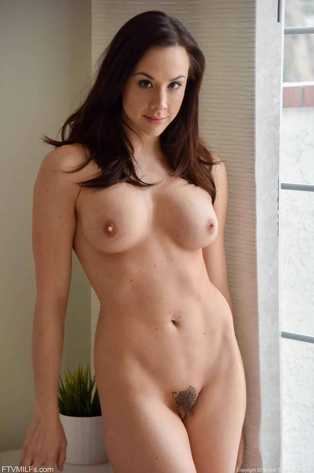 Brunette milf sex pics