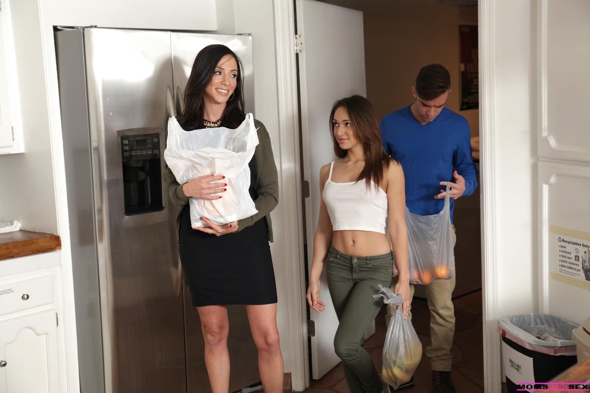 Sara Jay Lesbian Threesome