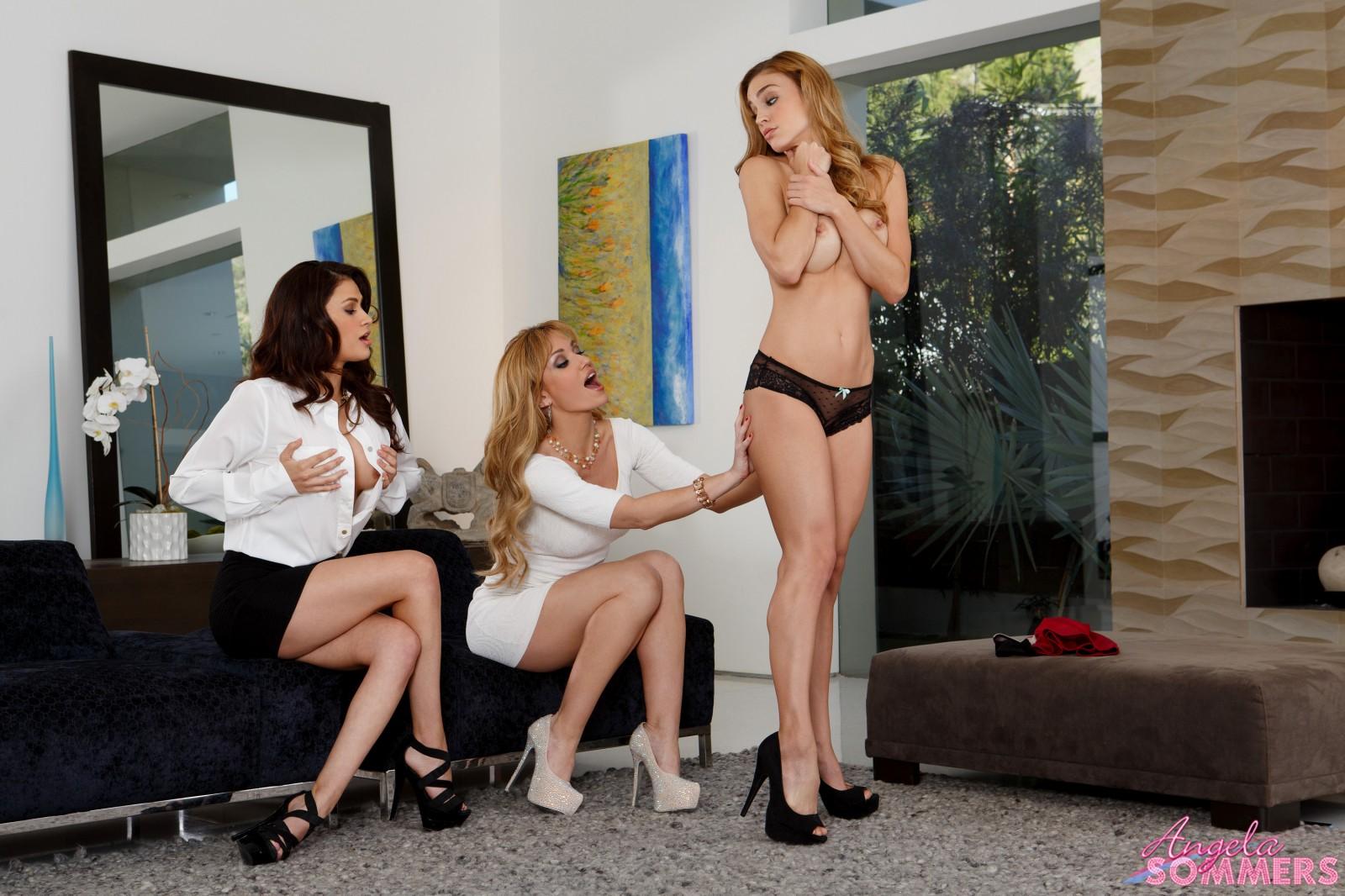 Ebony Lesbian Bbc Threesome