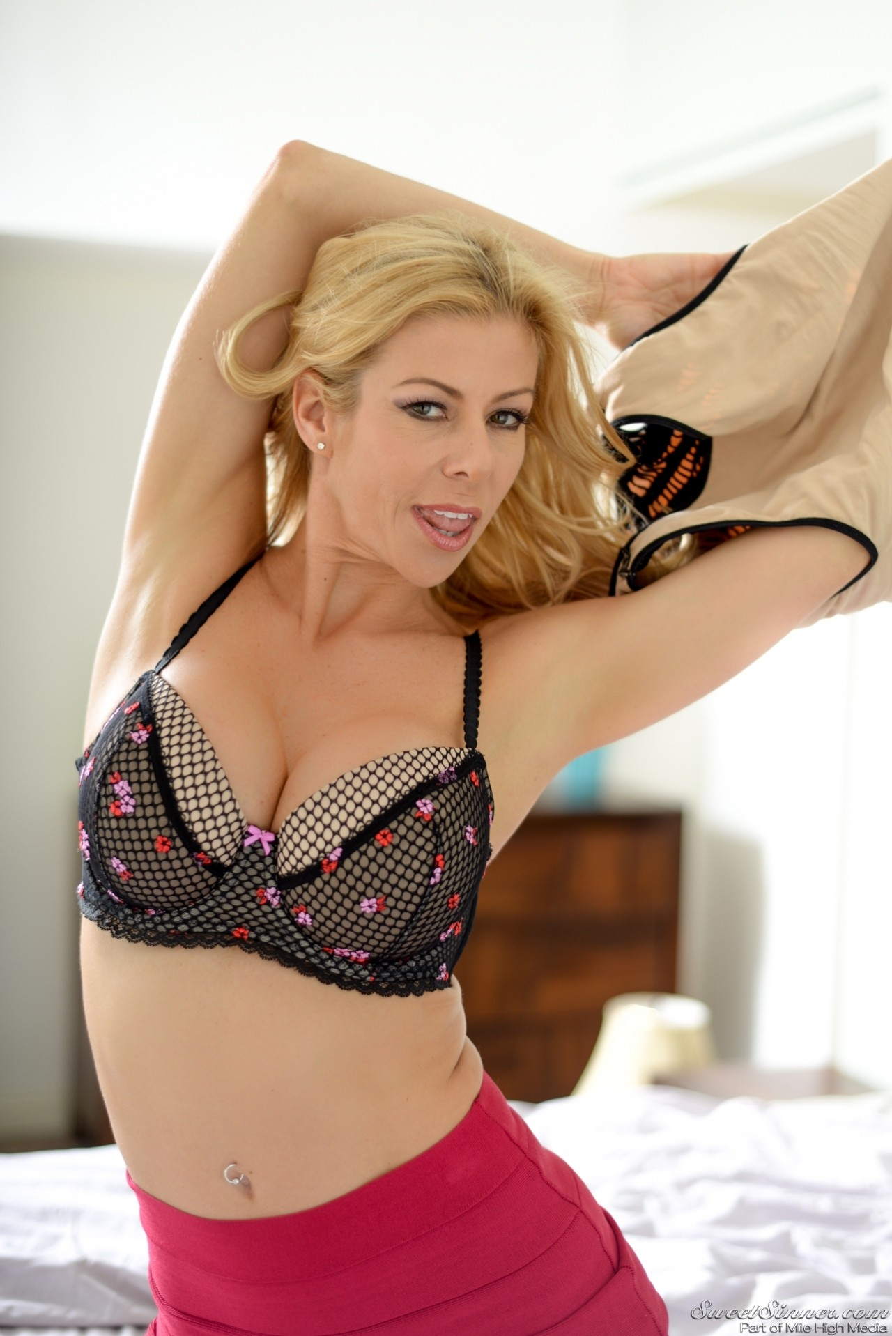 Alexis Fawx - Like Daughter Like Mother 90751-8733