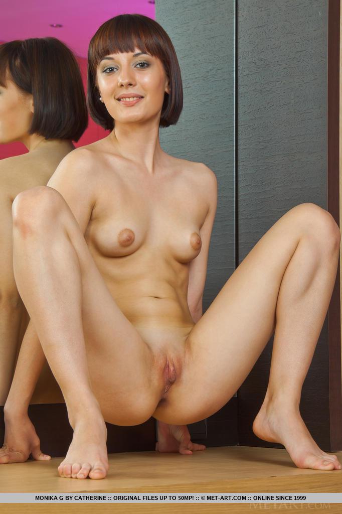 Порно с азиаткой с короткой стрижкой