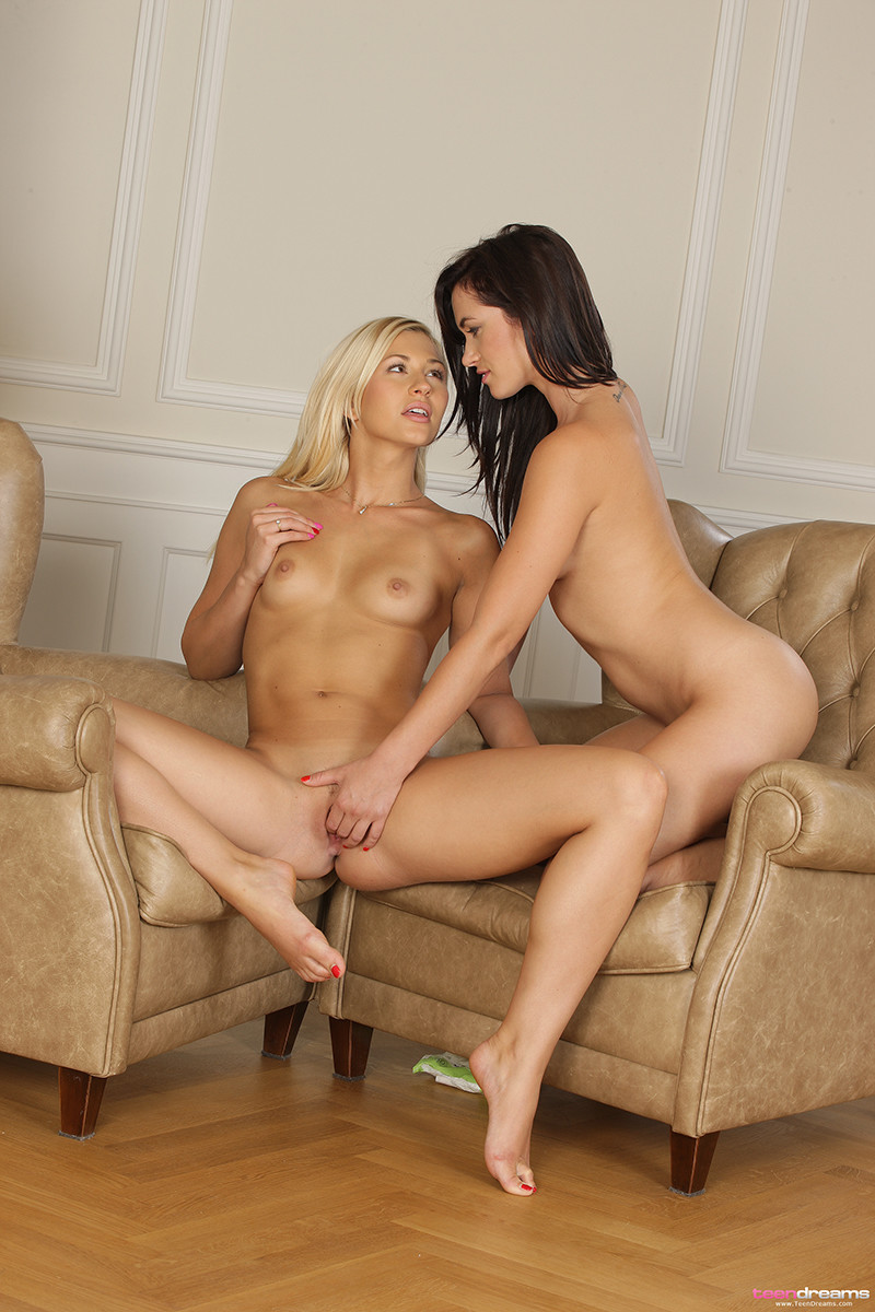 Tracy And Tess Young Lesbian Sex