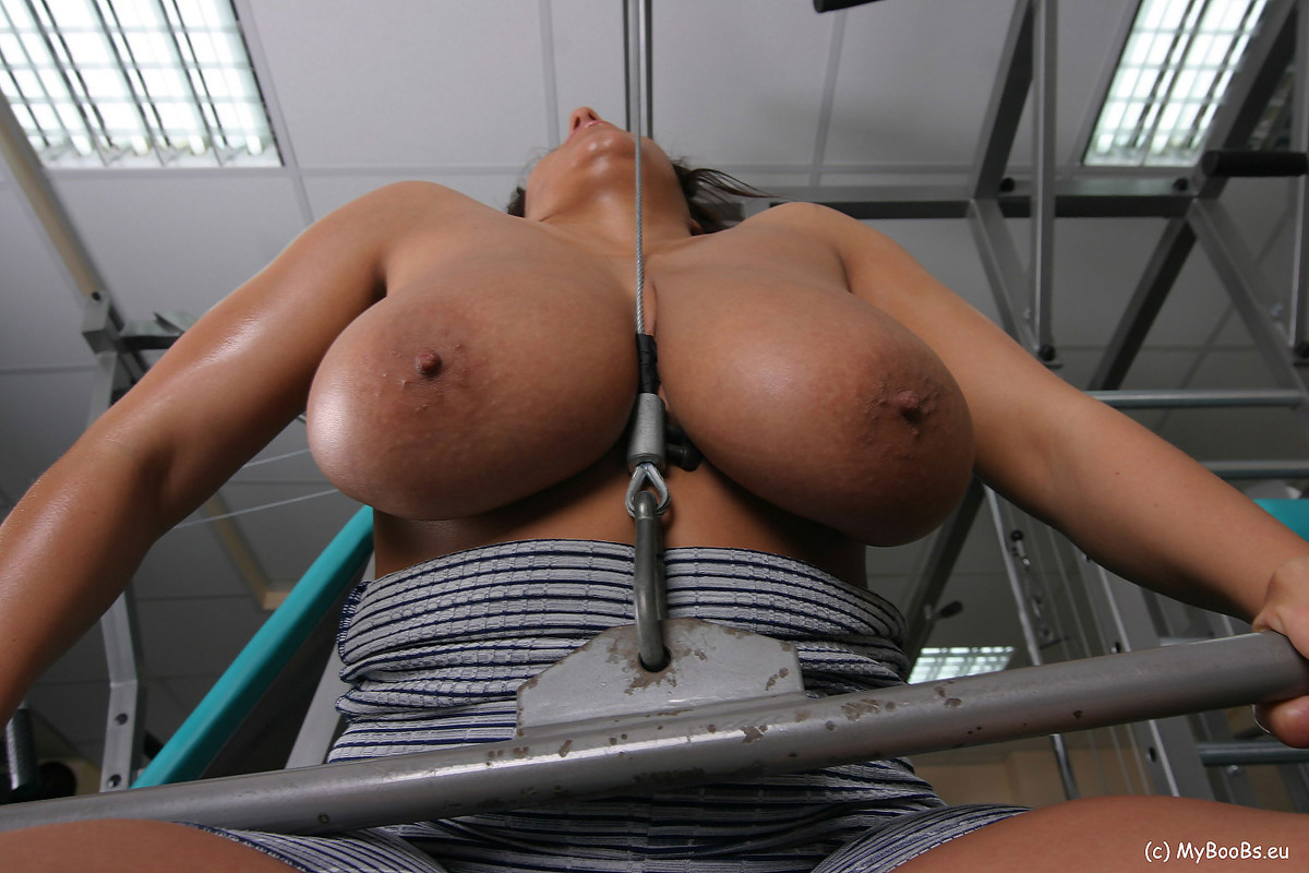 Big boobs at gym, foxxy love pusy