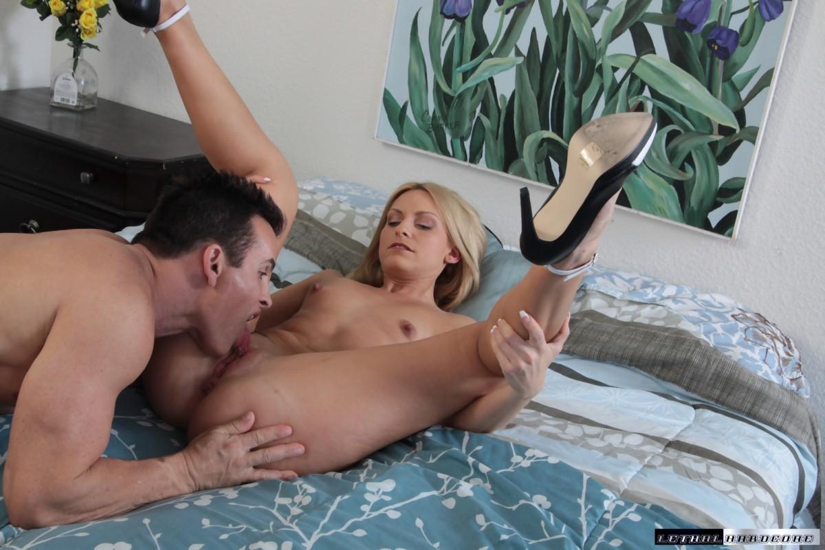 21naturals tina kay enjoys an erotic anal picnic 3