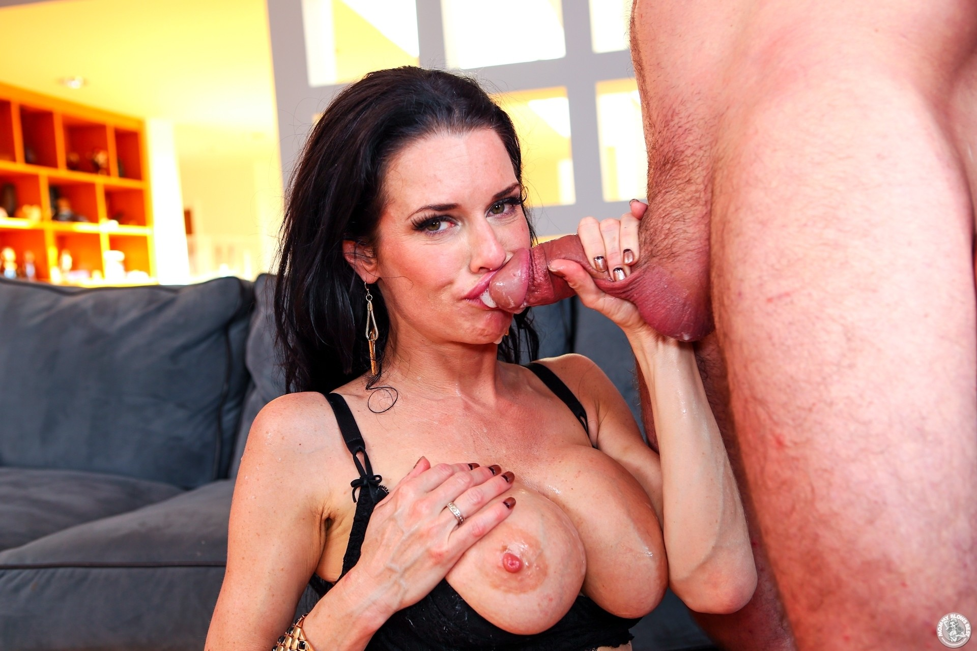Hot Milf Neighbor Comes Over To Give Me A Blowjob