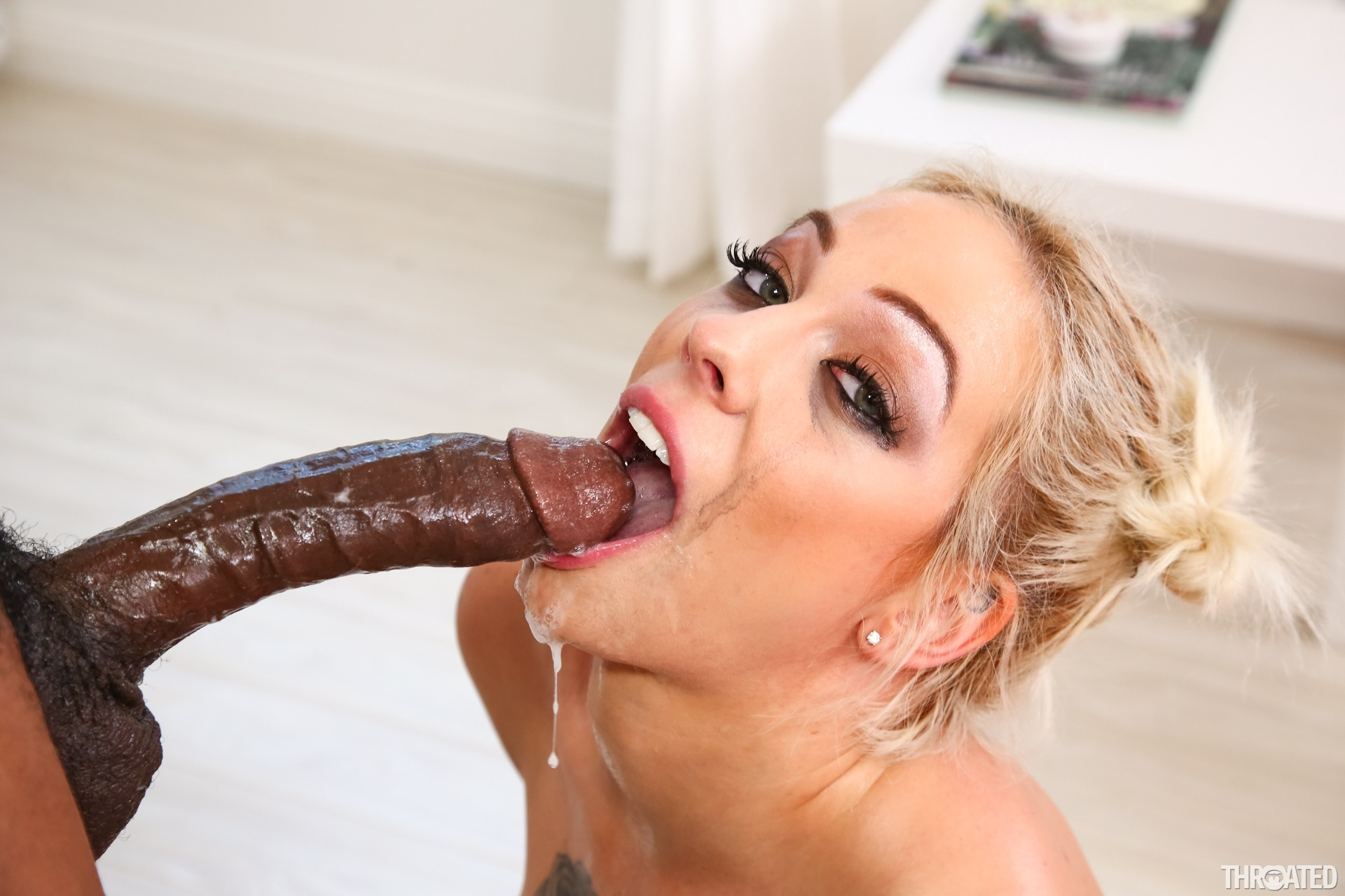 Nigger girls doing deepthroat — photo 7