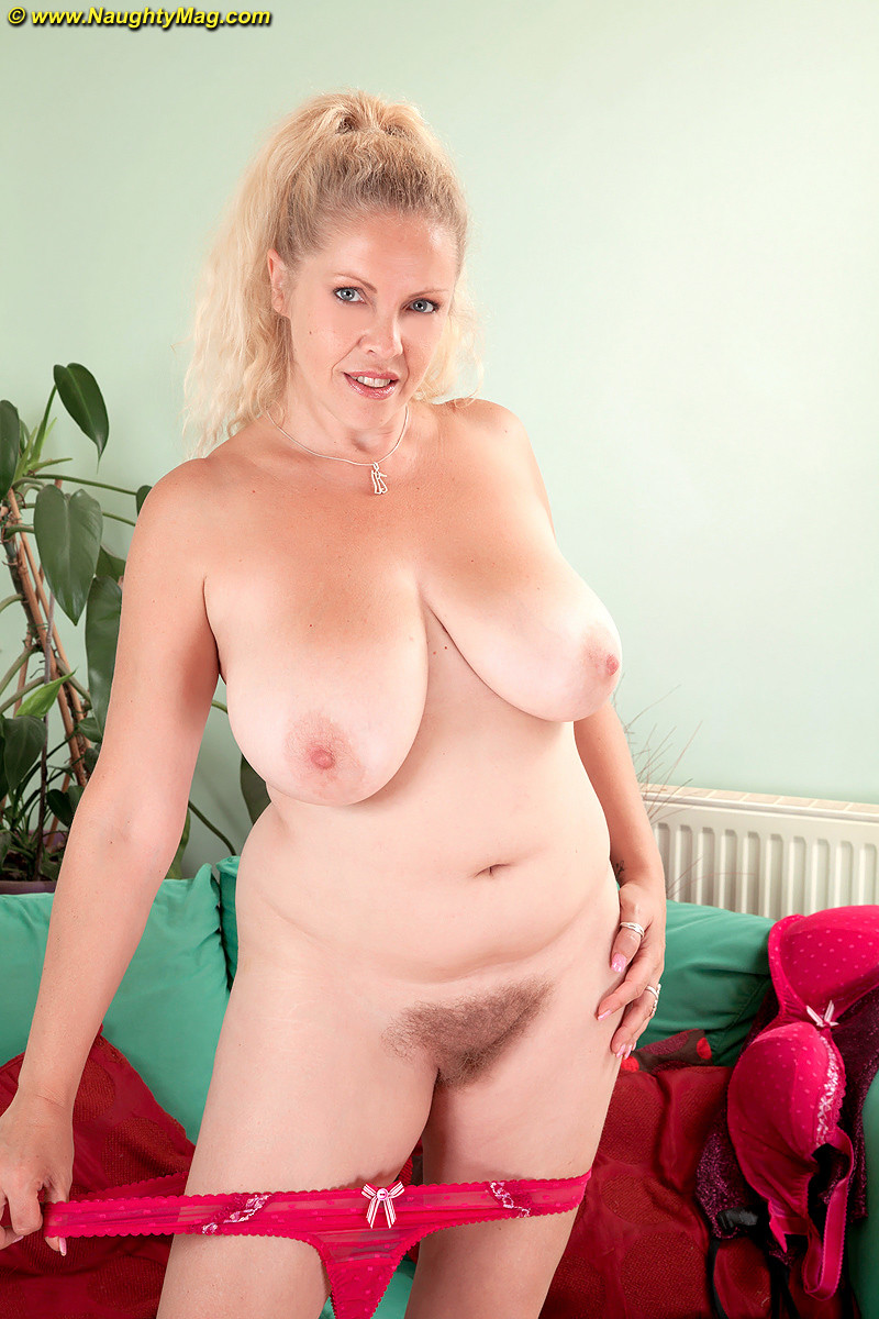 Busty Blonde Angel Starts Playing With Her Bush On Cam