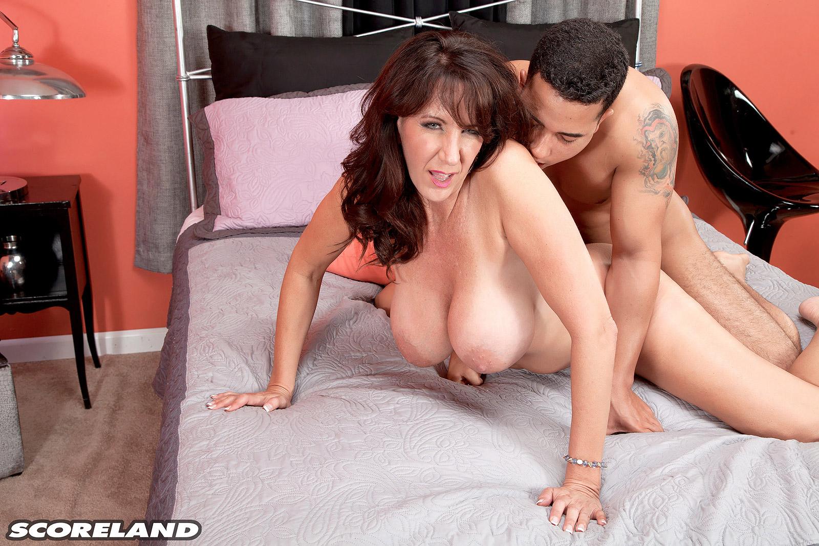 Brandi love seduced by a cougar porn galleries