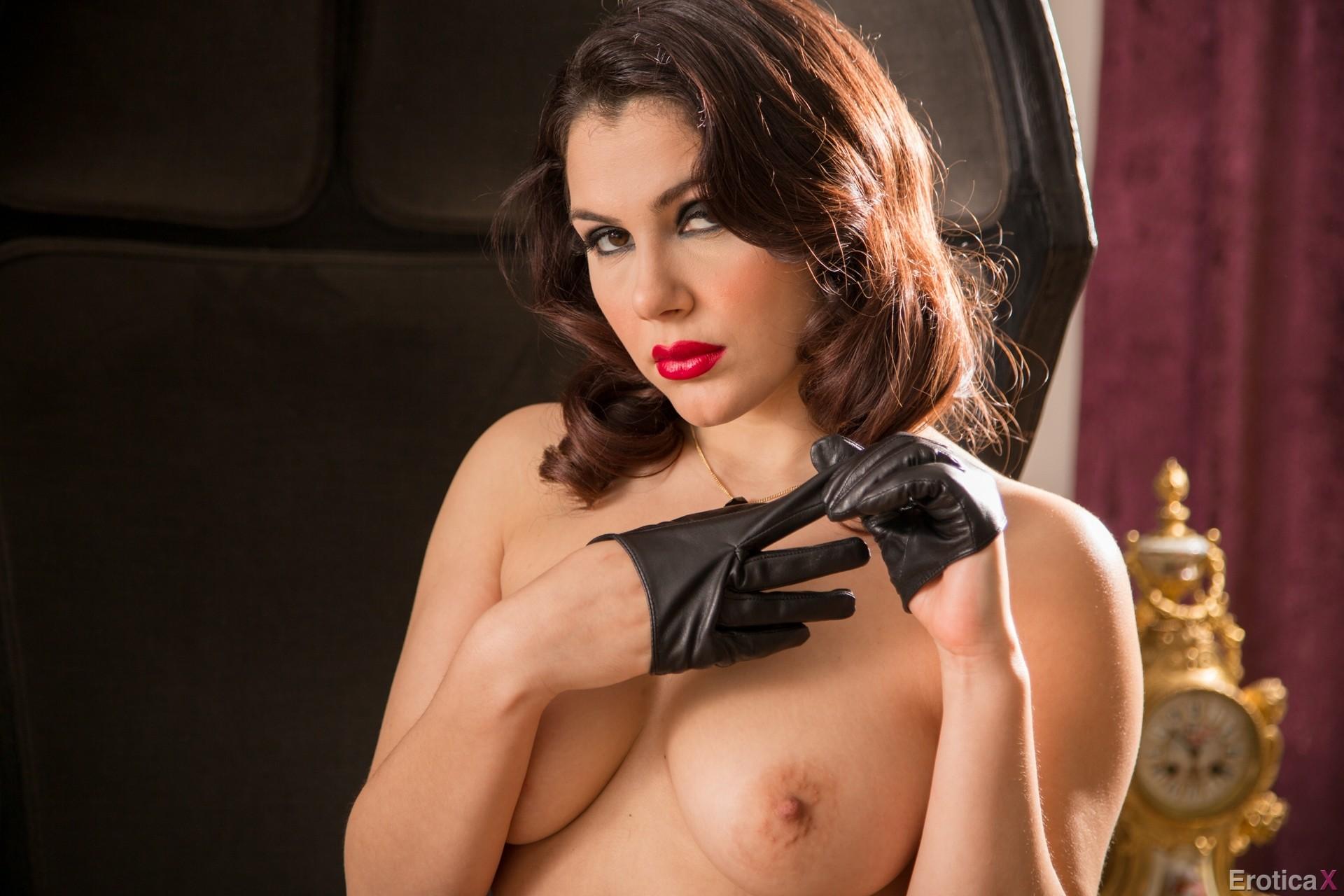 Valentina Nappi Porn Pics