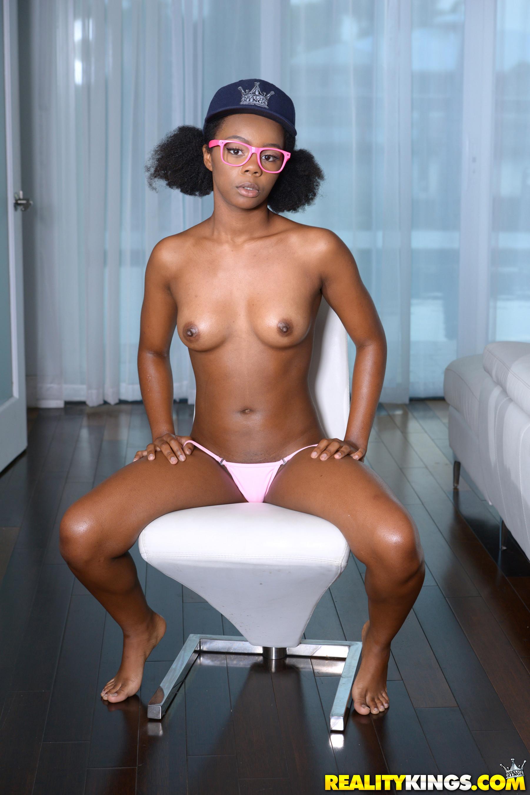 Haylee Wynters Nude