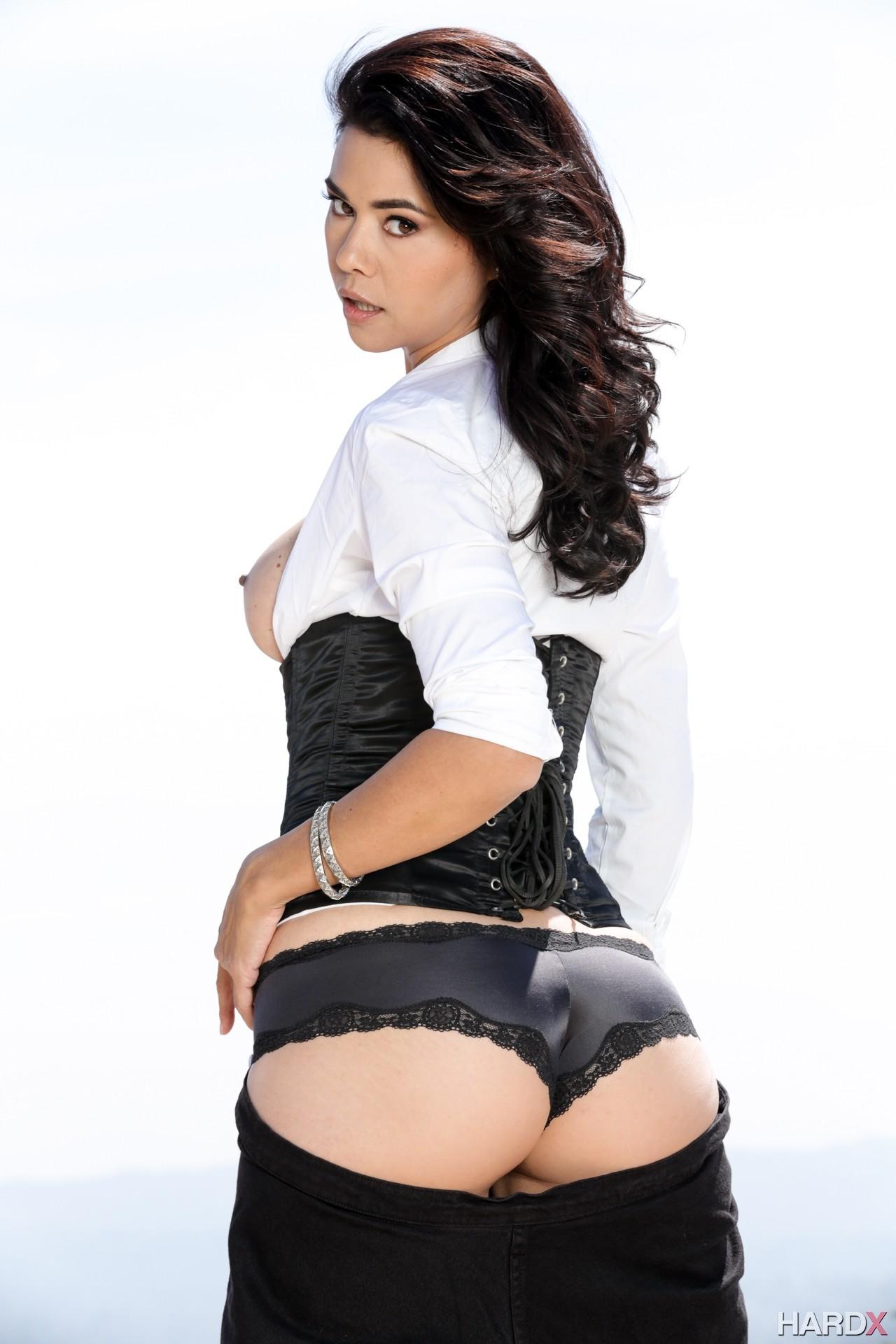 Dana vespoli tiffany doll like black cock 6