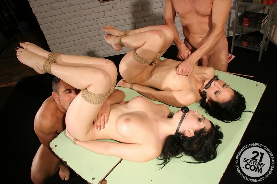 Порно-фото против воли 7