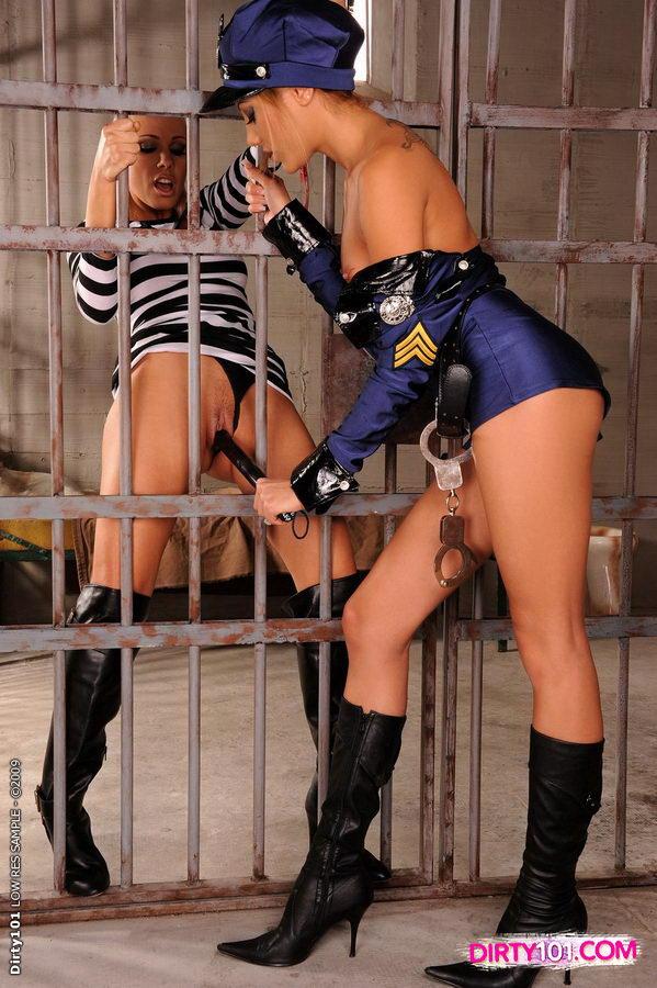 Порно и фото офицерши девушки