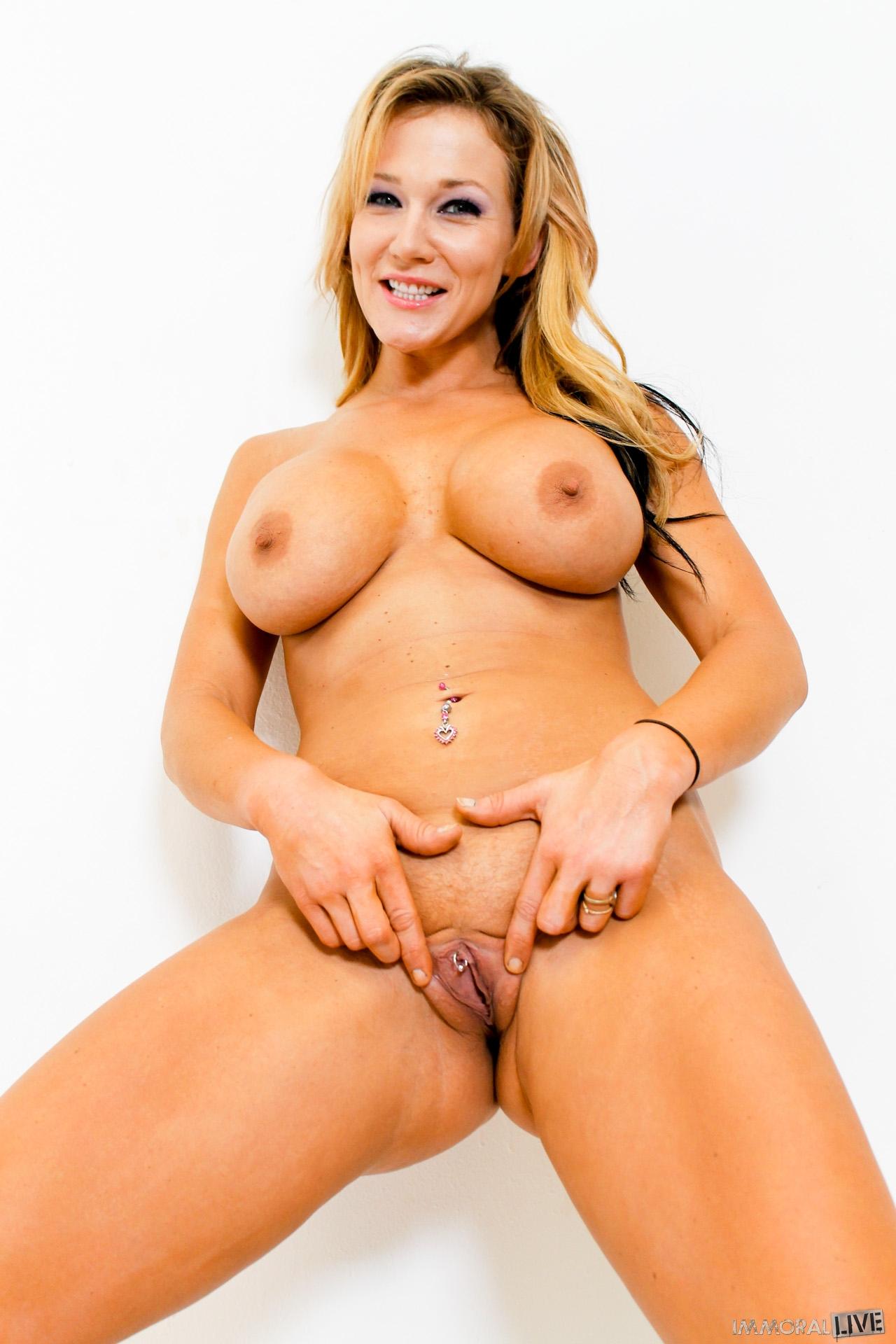 nikki-naked-sex