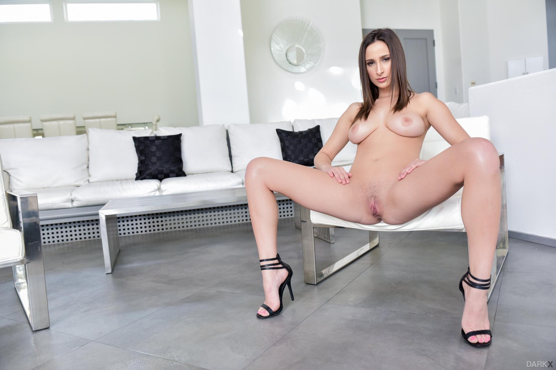 Татуированная жена порно фото