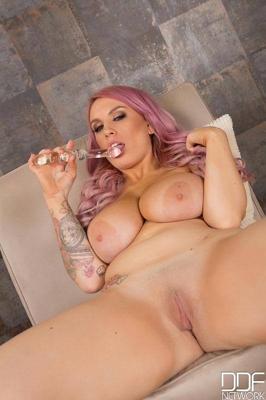 Порно соло натуральная грудь 24862 фотография