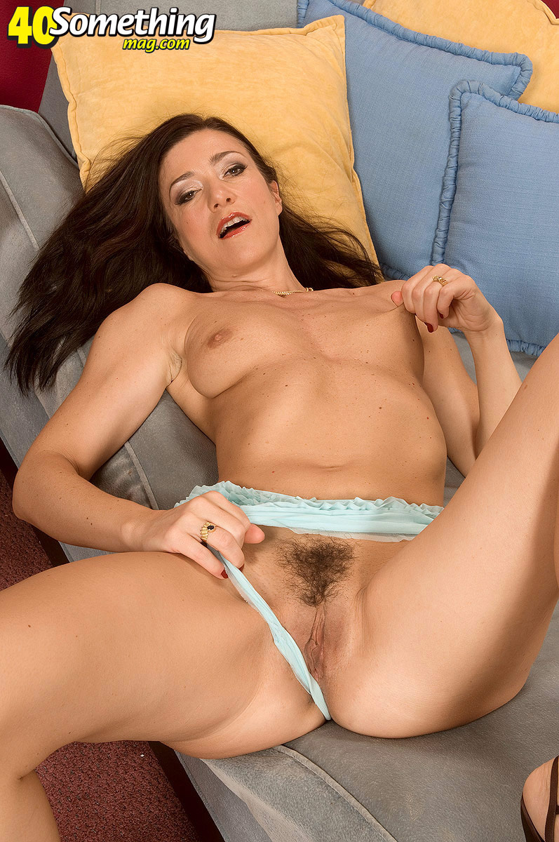 Amy fisher spreading her pussy