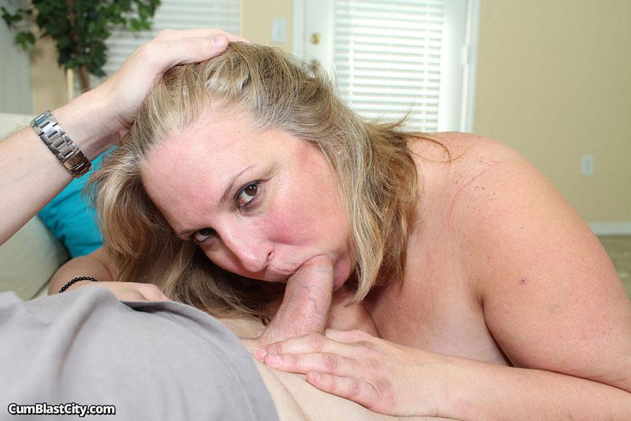 Anal loving milf freak porn pics