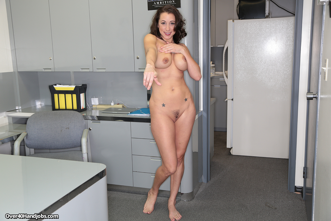 Staff work naked in business experiment
