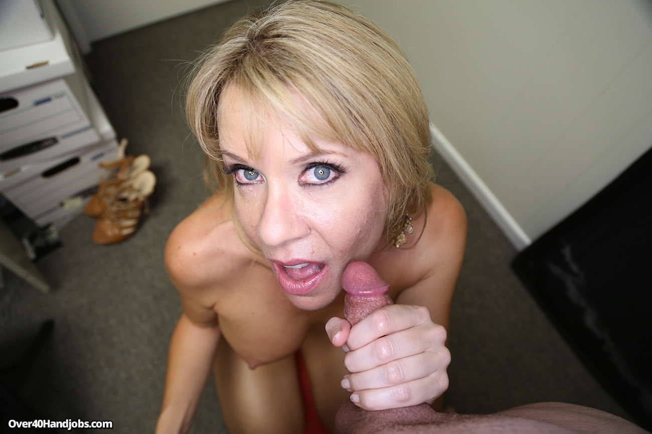 Mommy made me cum