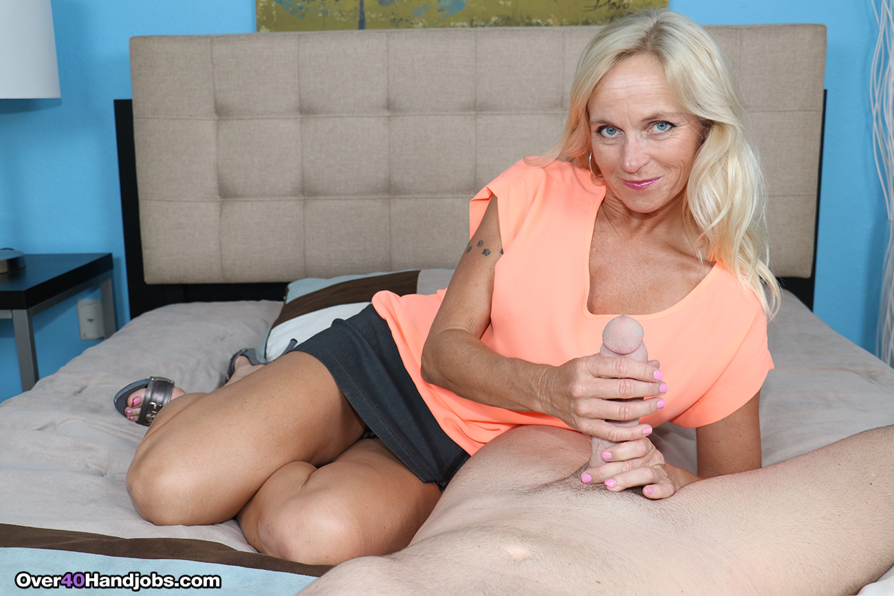 Mature woman love young dick