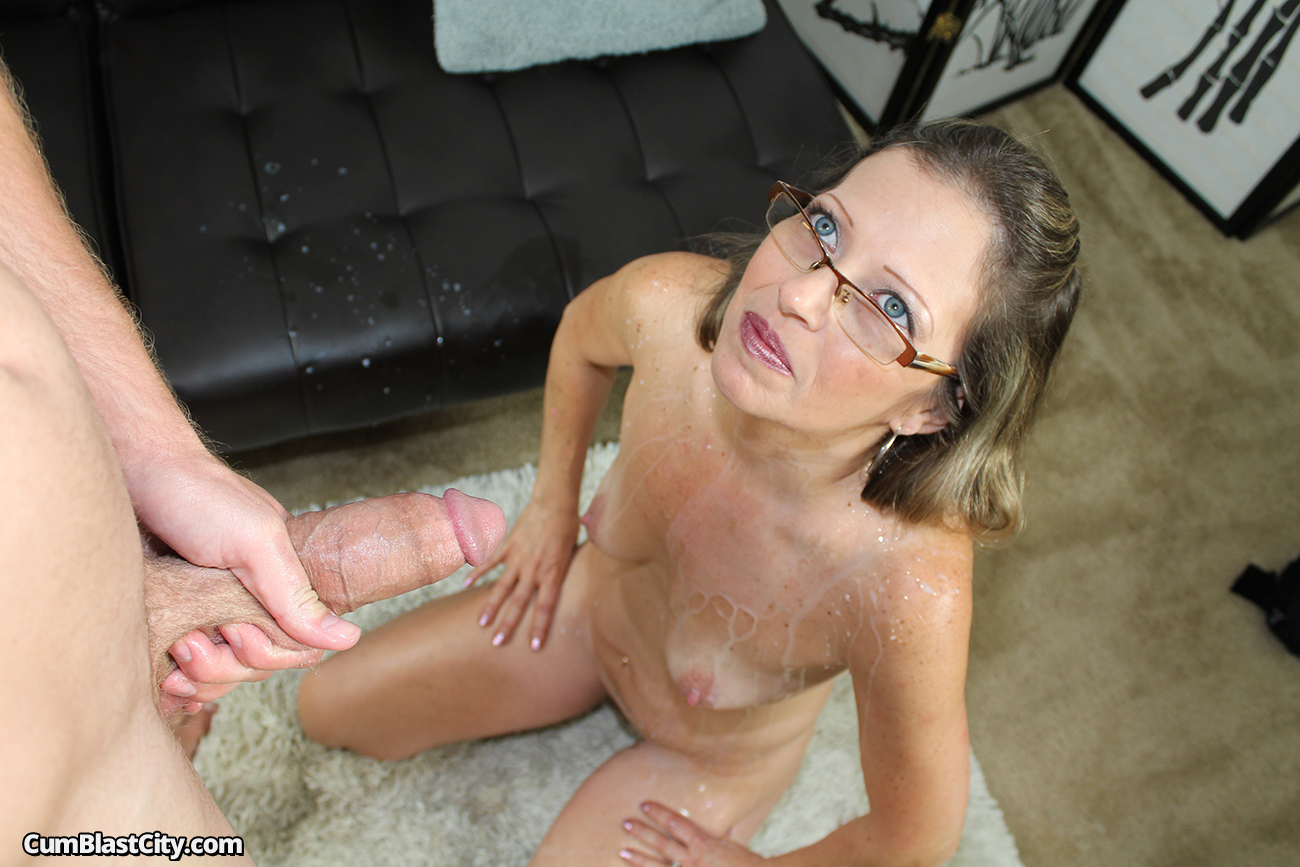 mom-sex-cum-mature-woman-fucked-rough