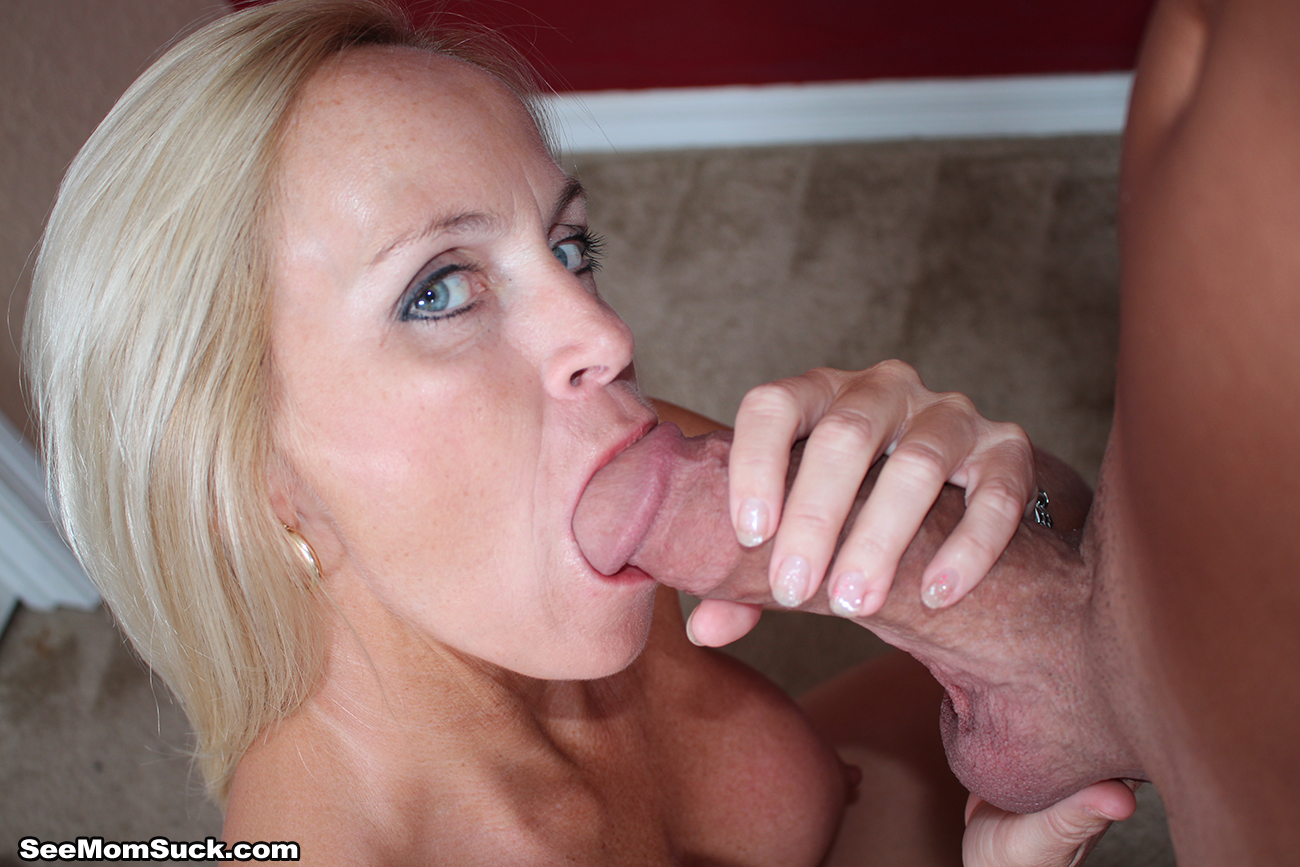 Attractive oriental milf puts her great blowjob abilities i