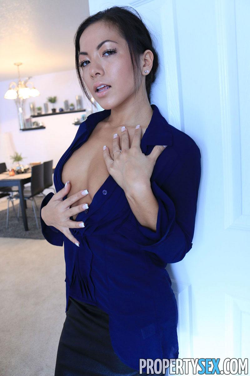 Morgan Lee - Property Sex 112603-8581
