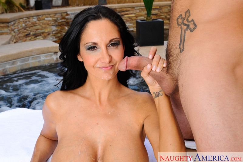 Doesn't matter! Ava addams seduced by a cougar