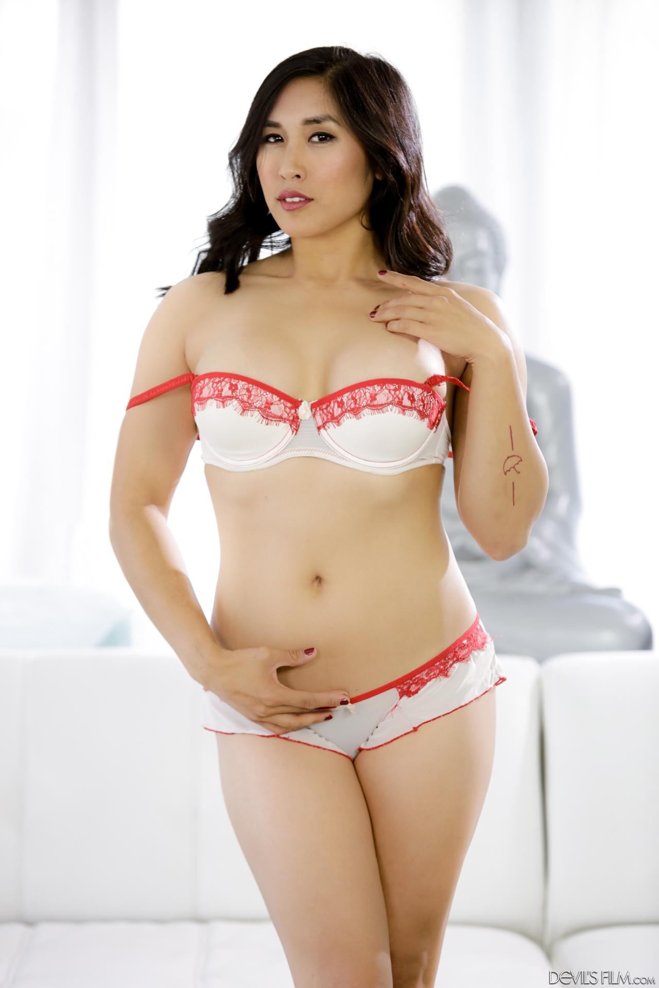 Asian Mia - Mia Li Porn Galleries by Date