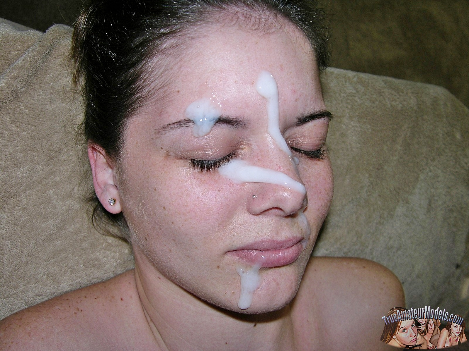 Freckled Face Amateur Teenager Gets A Huge Cum Facial 115222-7777