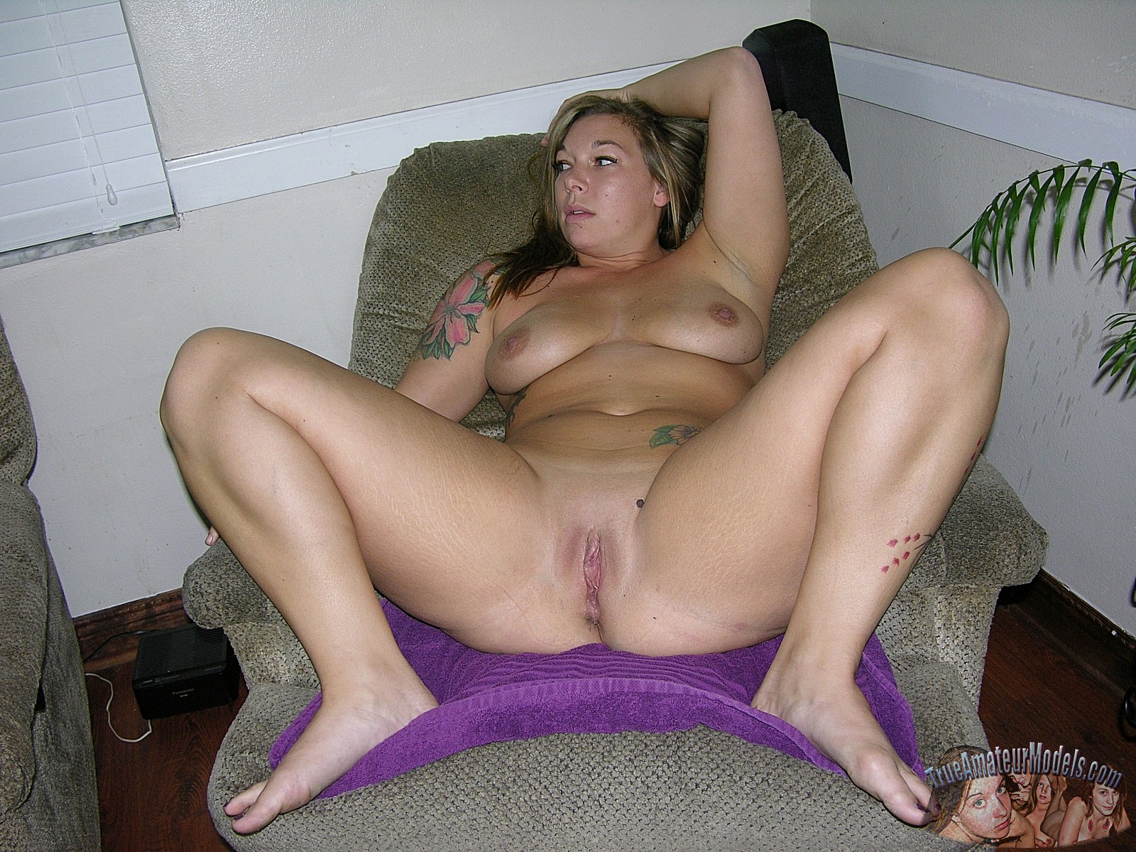 Amateur naked mom models