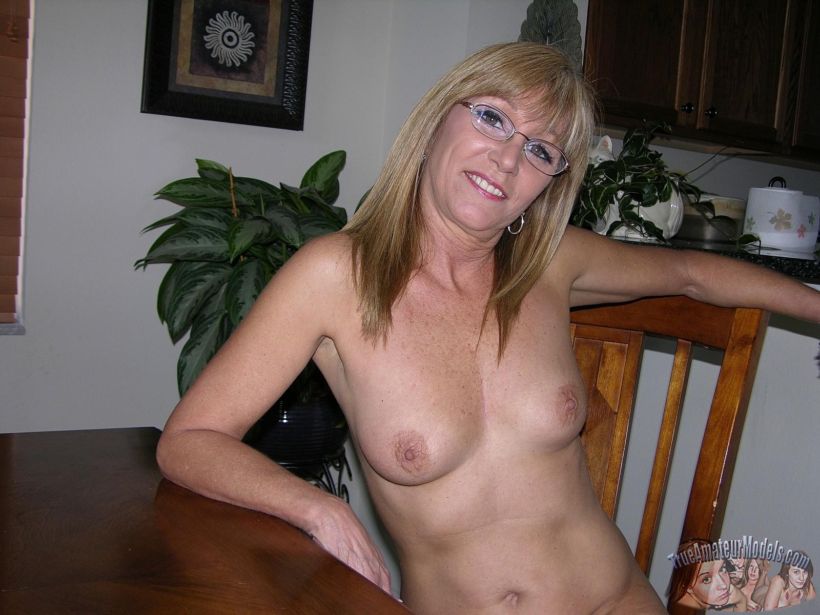 Cum On Milf Wearing Glasses Porn Pic