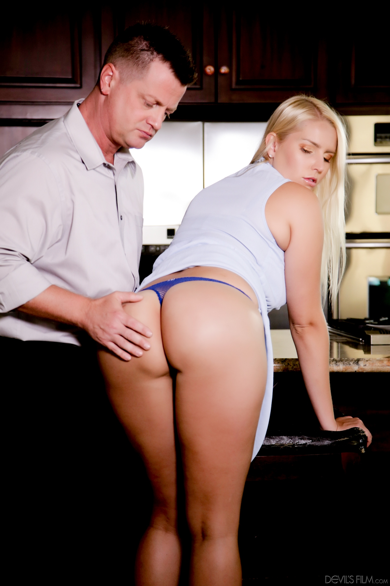 Young wife boss seduced staff 10