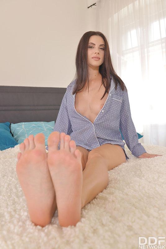 Noga Fetiš Nebesa Ukrajinska Lolita drgne vroče prste s-6901