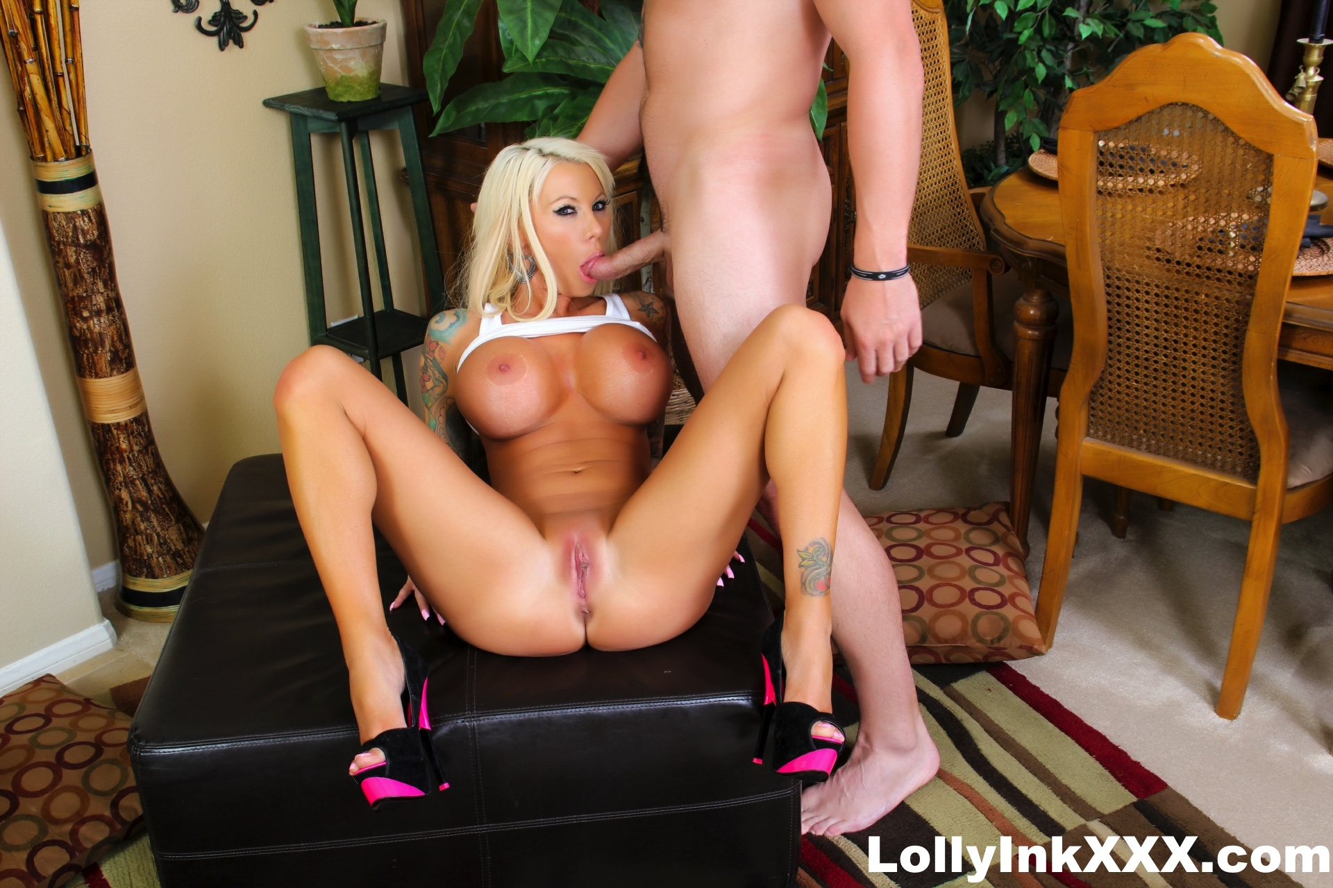 image Lolly uses her blowjob skills to get a huge facial