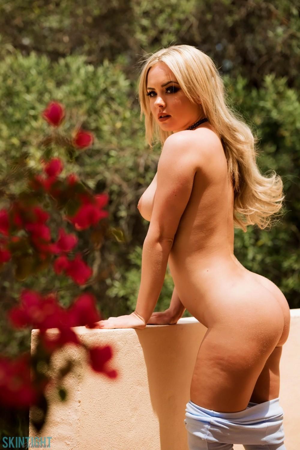 Big tit blonde bridgette b cheats on husband 8