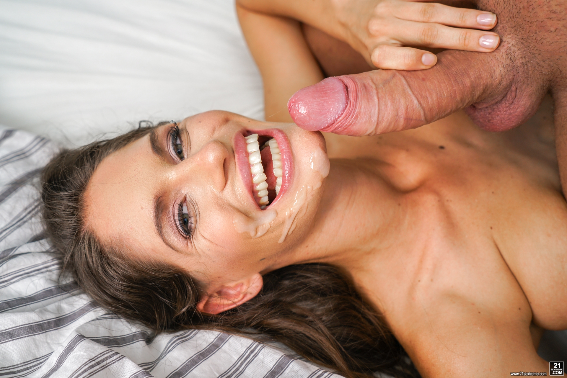 Edyn blair loves to get fucked - 5 9