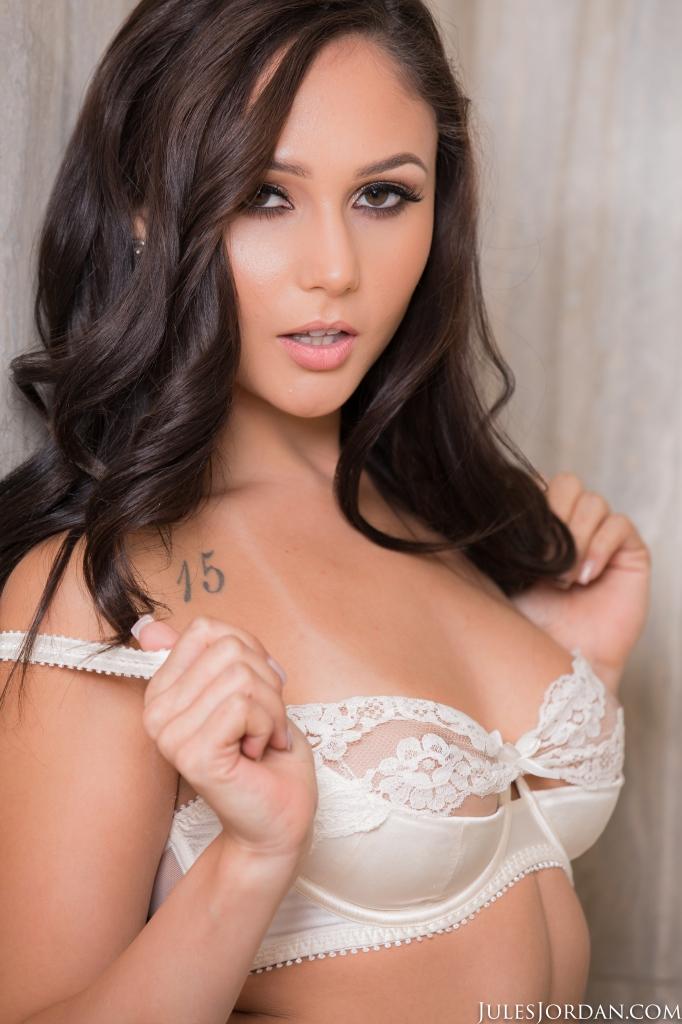 Ariana Marie Mandingo