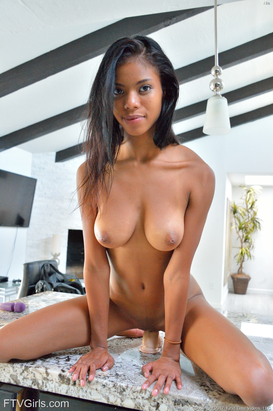 hot naked girls going down