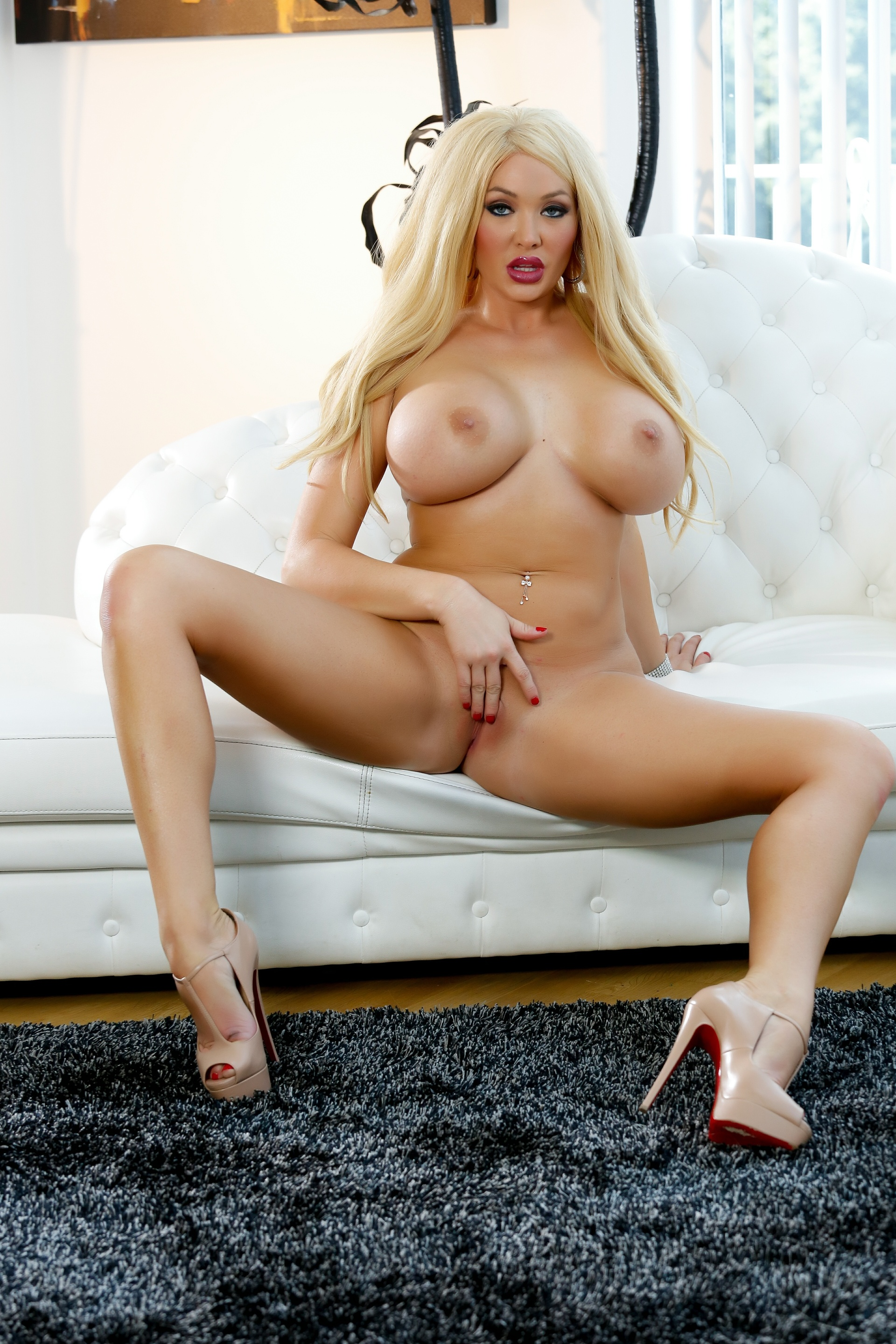 Summer Brielle - Summer In Black Spreading For You 118541