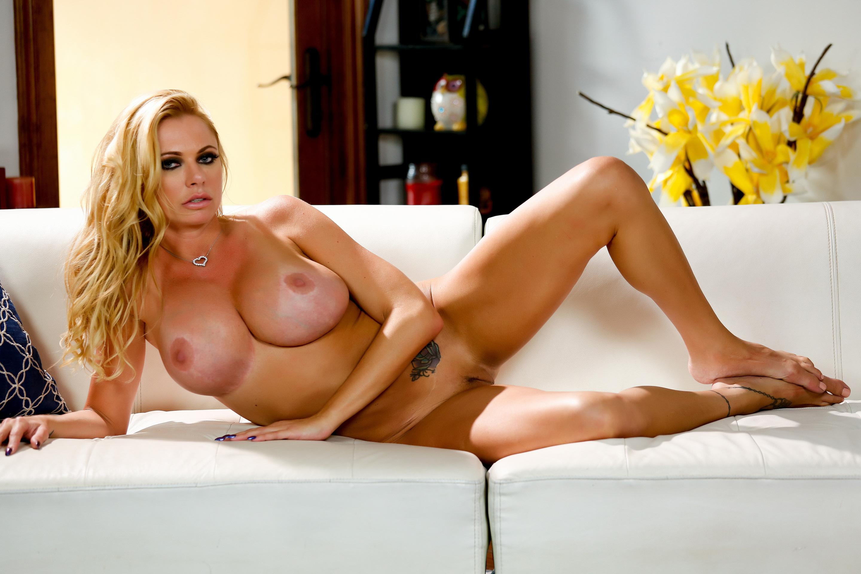 Скачать через торрент порно с briana banks в hd