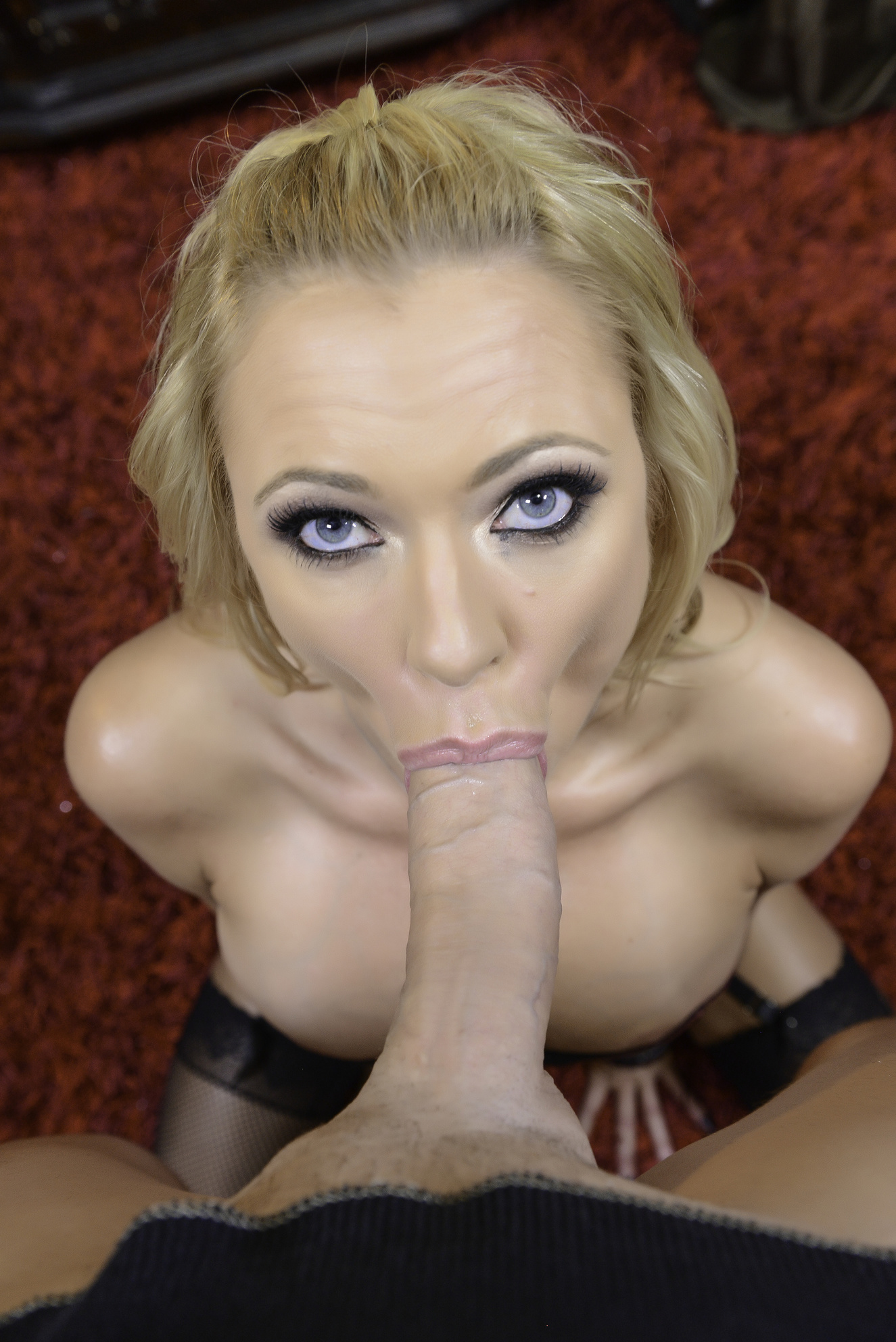 briana banks knows how to please you