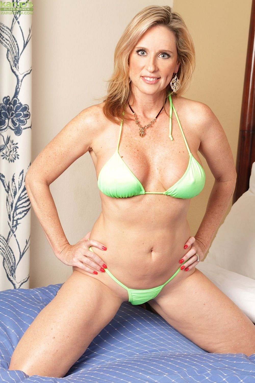 Gorgeous Older Slut Jodi West Toying Her Mature Pussy 119622-2243