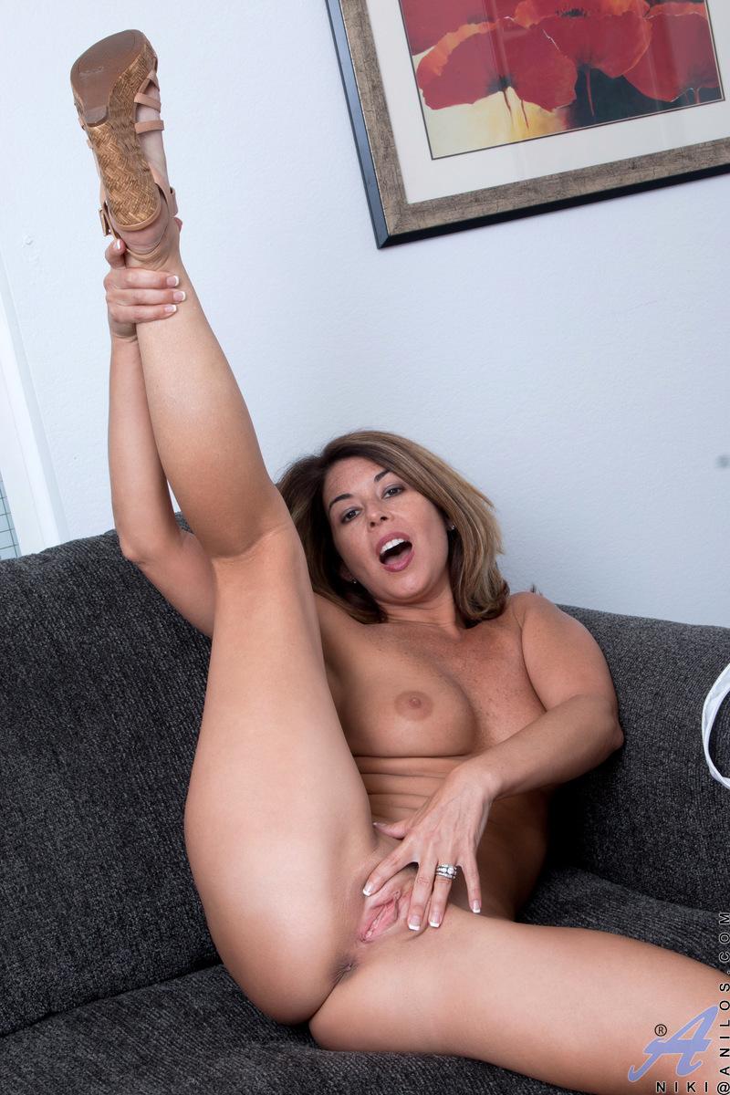 Nikki Elliott Mfc